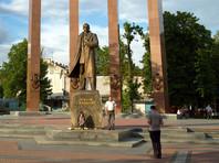 Бандера (1909-1959) был лидером Организации украинских националистов, одним из главных инициаторов создания Украинской повстанческой армии (УПА), целью которой провозглашалась борьба за независимость Украины