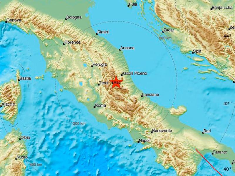 В Италии в среду, 18 января, произошло три крупных землетрясения. Третье по счету, магнитудой 5,7, было зафиксировано в 110 км севернее Рима