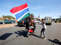 Новый президент Гамбии вернулся в страну после конфликта с бывшим главой государства