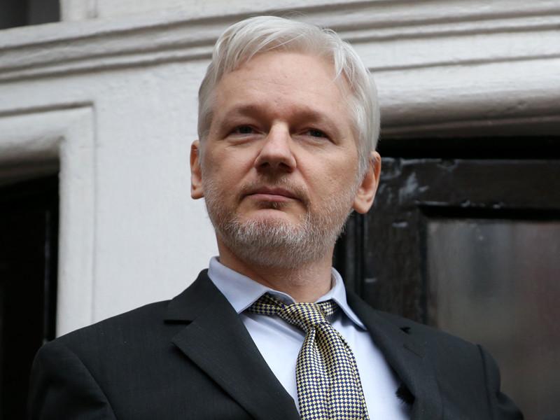 Основатель WikiLeaks Джулиан Ассанж после смягчения президентом США Бараком Обамой приговора информатору организации Челси Мэннинг (Брэдли Мэннингу) не собирается соглашаться на экстрадицию в Соединенные Штаты
