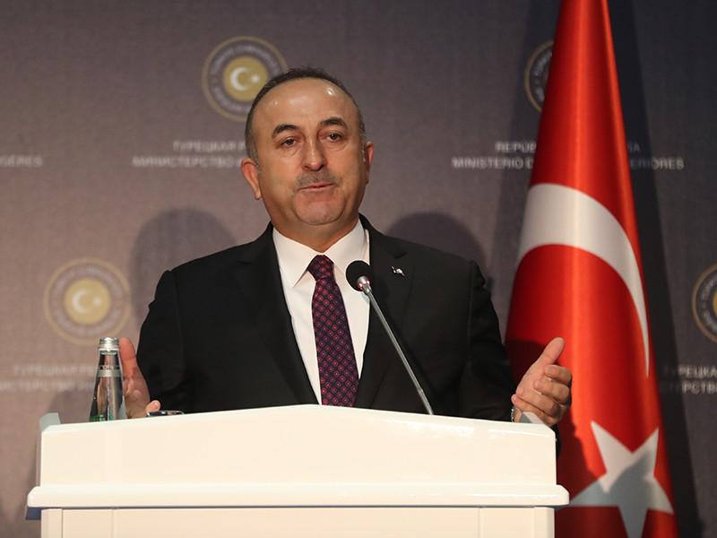 Об участии США в субботу рассказал глава МИД Турции Мевлют Чавушоглу. По его словам, вопрос о приглашении представителей Вашингтона обсуждался с Москвой на дипломатическом уровне