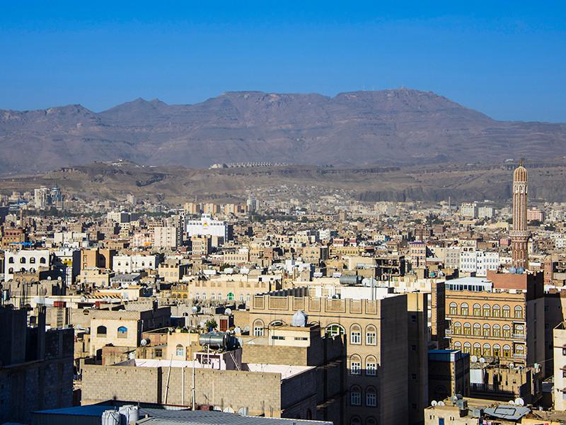 Агентство из Саудовской Аравии Barq News в своем Twitter распространило информацию об убийстве в столице Йемена Сане посла России. В посольстве России в Йемене это опровергли