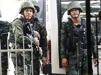 Перестрелка надзирателей с нападавшими произошла около полуночи и длилась примерно один час, пишет The Philippine Star. По словам начальника тюрьмы Питера Бунгата, стрельба началась после того, как в тюрьме начались проблемы с электроснабжением и погас свет