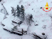 В Италии снежная лавина накрыла здание отеля: есть погибшие