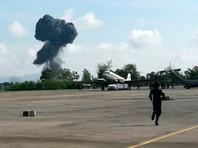 В Таиланде во время авиашоу ко Дню детей разбился военный истребитель: самолет взорвался, упав на взлетно-посадочную полосу, пилот погиб