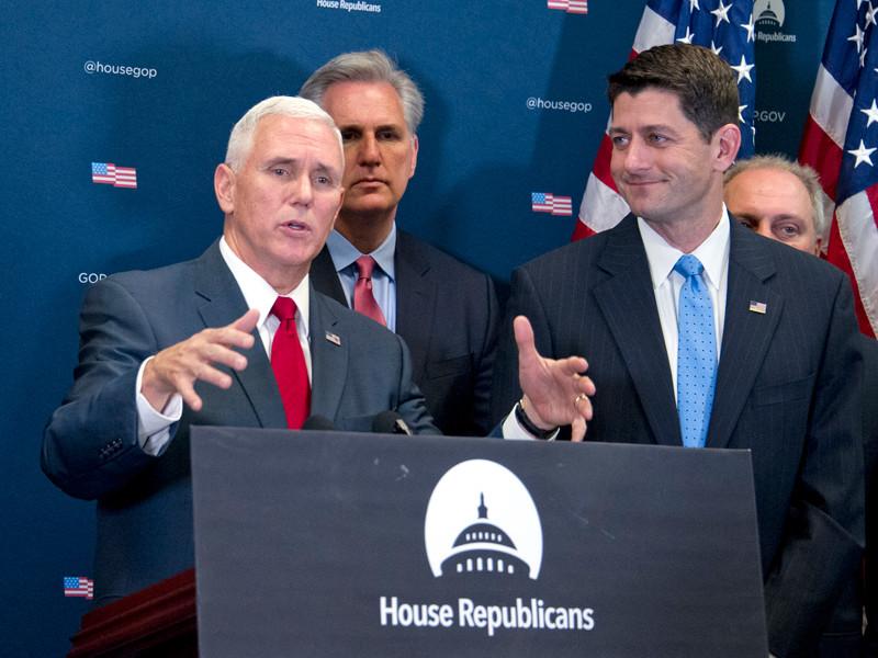 Избранный вице-президент США Майк Пенс объявил о том, что первым шагом будущего главы государства Дональда Трампа в Белом доме после инаугурации, назначенной на 20 января, станет отмена программы доступного медицинского обслуживания, известной также как Obamacare
