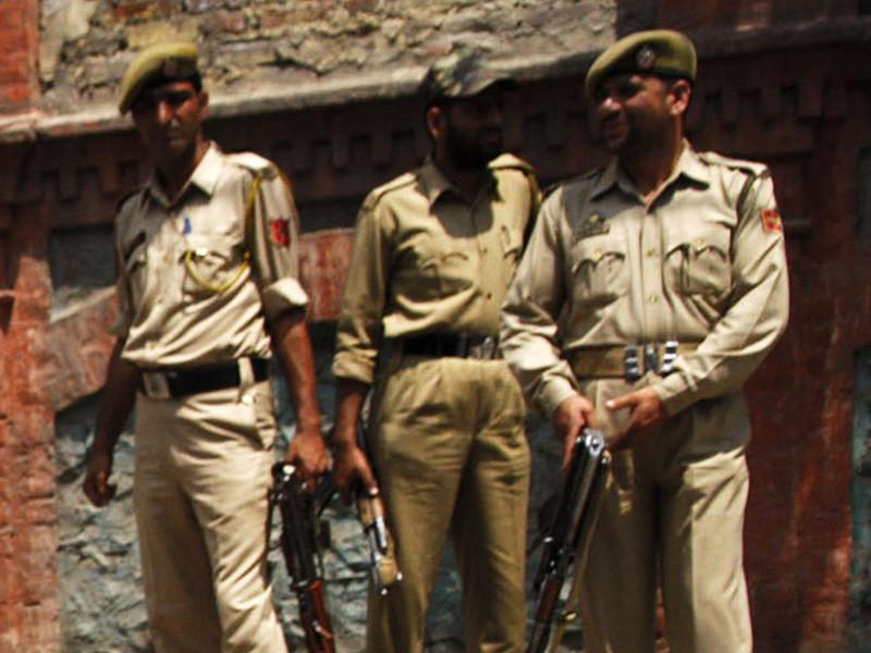 """В Индии сотрудники правоохранительных органов начали расследование в связи с массовыми случаями сексуальных домогательств и попытками изнасилования, которые произошли в новогоднюю ночь в """"столице индийских технологий"""" - Бангалоре (штат Карнатака)"""