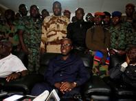 Бунтующие военные в Кот-д'Ивуаре обстреляли здание с делегацией правительства