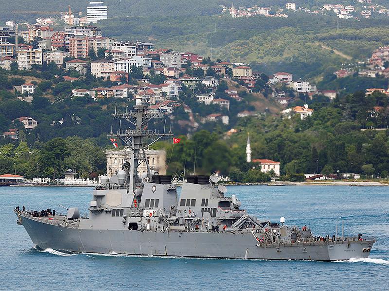 Американский эсминец USS Porter, оснащенный управляемыми ракетными системами, вошел в Черное море
