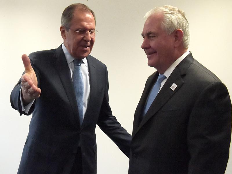В Бонне в преддверии министерского заседания G20 прошла первая встреча министра иностранных дел РФ Сергея Лаврова с новым главой госдепартамента США Рексом Тиллерсоном