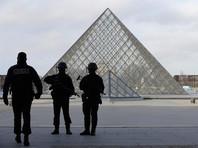 Инцидент произошел в подземном торговом центре возле Лувра