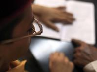 В Индии суд запретил сотням студентов работать врачами за обман на экзаменах
