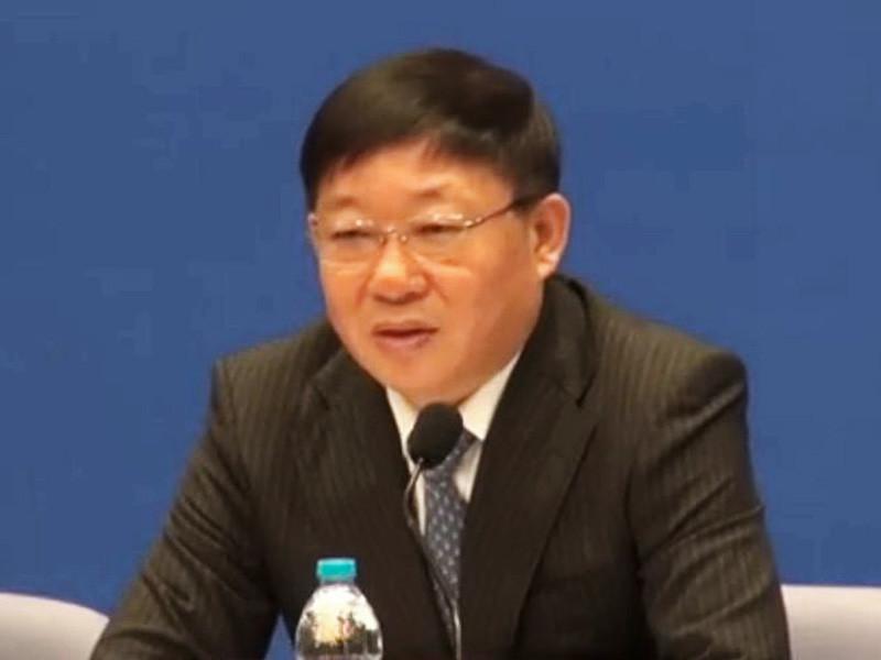 Бывший заместитель мэра крупнейшего китайского города Шанхая Ай Баоцзюнь, возглавлявший этот мегаполис с декабря 2007 года, признан виновным в получении взяток на сумму в размере 4320 млн юаней