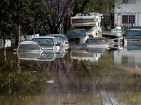 """В американском Сан-Хосе эвакуируют 14 тысяч жителей из-за наводнения, власти признали """"провал"""" операции"""