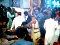 В результате взрыва, прогремевшего возле мавзолея суфийского лидера Лала Шахбаза Каландара, расположенного в пакистанском городе Сехван-Шариф, погибли более 70 человек; еще примерно 250 получили ранения различной степени тяжести
