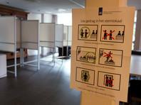 """""""Старая добрая ручка и бумага"""": Нидерланды из-за опасения вмешательства в парламентские выборы подсчитают голоса вручную"""