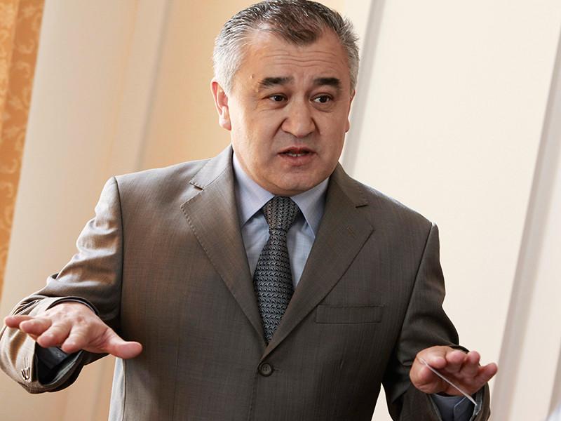 """Госкомитет нацбезопасности Киргизии передает, что Текебаева, лидера парламентской фракции """"Ата-Мекен"""" (Родина), задержали на 48 часов и поместили в изолятор временного содержания"""