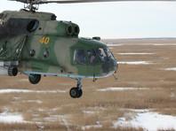 В Казахстане военные посадили вертолет на трассу, чтобы спросить дорогу у дальнобойщиков (ВИДЕО)
