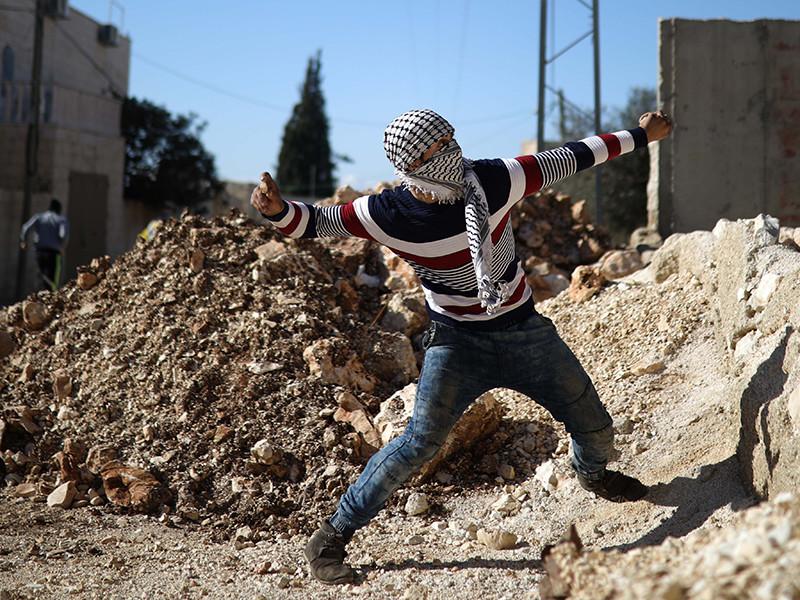 Палестинская автономия уже угрожала прекратить сотрудничество, которое важно для Израиля, поскольку палестинские разведданные позволяют следить за исламистским движением ХАМАС и его членами на Западном берегу