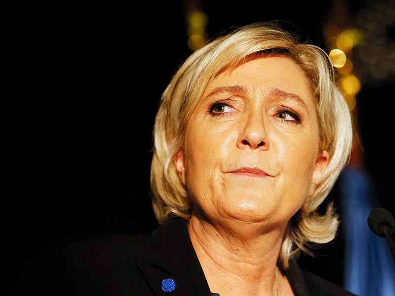 """В пригороде Парижа Нантер французская полиция накануне провела обыск в штаб-квартире """"Национального фронта"""", лидером которого является Марин Ле Пен, по делу о возможных махинациях партии в Европейском парламенте"""