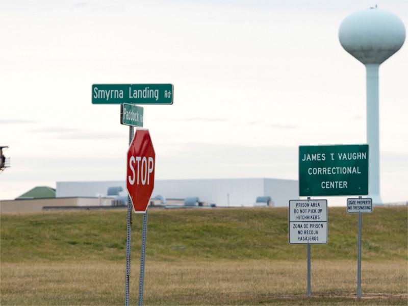 В США заключенные захватили заложников в тюрьме строгого режима в городе Смирна (штат Делавэр)