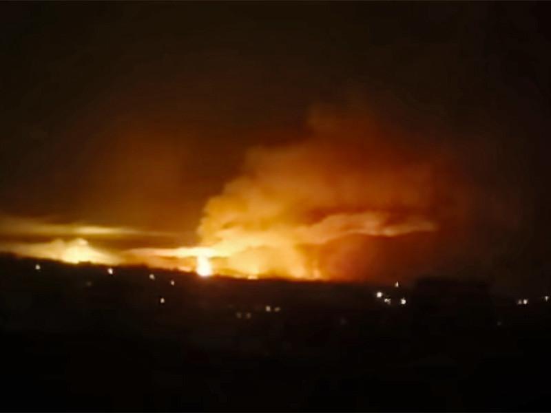 В украинском городе Балаклея Харьковской области в ночь на четверг, 23 марта, начали взрываться снаряды на складах хранения боеприпасов