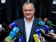 Президент Молдавии Игорь Додон, в свою очередь, не стал поддерживать местных политиков и предположил, что проблемы молдавских чиновников на российской границе могли стать следствием обычного сбоя