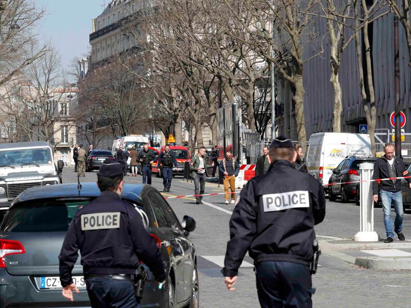 В Париже в штаб-квартире Международного валютного фонда (МВФ) после вскрытия конверта раздался взрыв. Один человек получил ранения