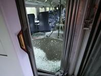 Инцидент произошел в 14:00 по местному времени (16:00 мск). Как пояснил официальный представитель полиции Люцерна Урс Виггер, четвертый вагон поезда завалился на бок, оборвав при этом линию электропередач