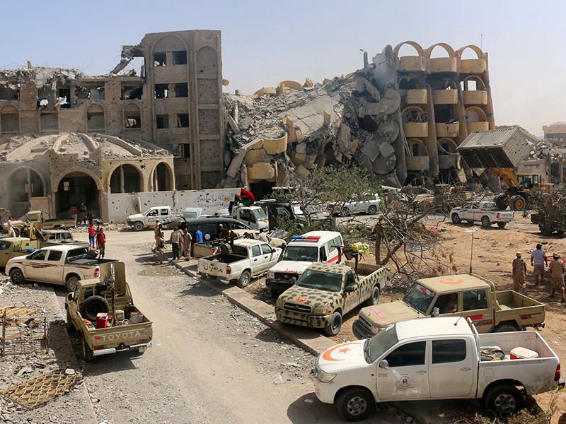 Несколько десятков контрактников из России до февраля 2017 года работали в Ливии в той части страны, которая находится под контролем командующего Ливийской национальной армией маршала Халифы Хафтара