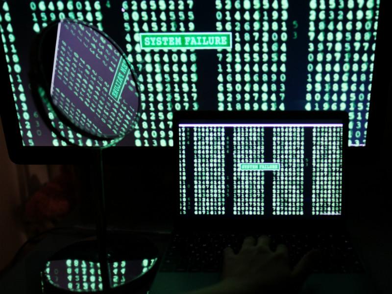 """В ФБР считают """"странным"""" взаимодействие компьютерных серверов """"Альфа-банка"""" и Trump Organization"""