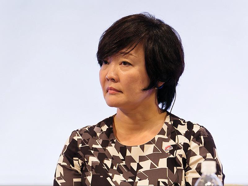 Четыре японских оппозиционных партии, включая Демократическую и Коммунистическую, требуют вызвать супругу японского премьер-министра Синдзо Абэ, Акиэ Абэ, в парламент для дачи показаний из-за подозрений в коррупции