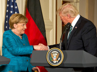 Трамп в своем комментарии после встречи с Меркель назвал ее потрясающей, но при этом напомнил о долгах Германии за обеспечение обороны посредством НАТО - военного альянса, основной финансовый вклад в который вносят США