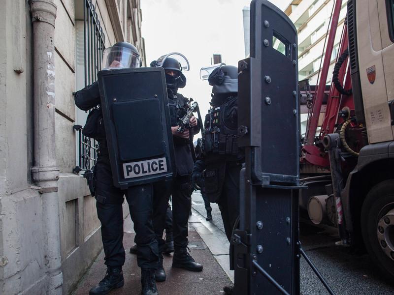 Во Франции неизвестный открыл стрельбу в школе - есть раненые