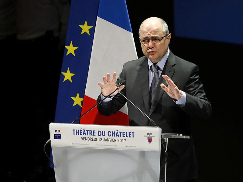 Министр внутренних дел Франции Бруно Ле Ру оказался в центре скандала в связи с сообщениями о том, что он нанимал на работу в парламент своих дочерей