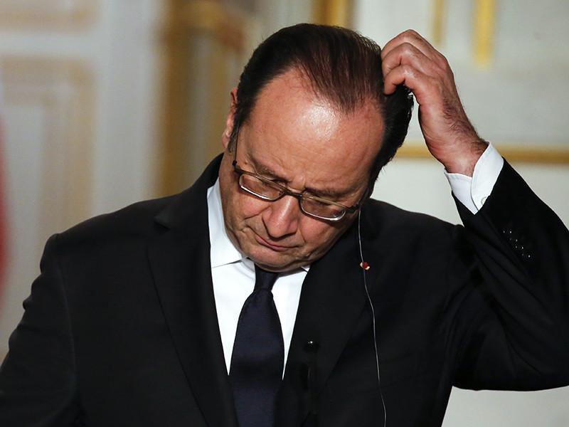 """Неизвестные хакеры взломали официальную страницу в Facebook президента Франции Франсуа Олланда и разместили на ней приглашение на """"вечеринку по случаю отставки"""" главы государства"""