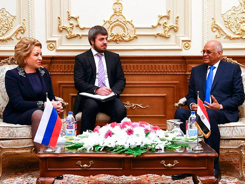 Египет выполнил все требования Москвы по обеспечению безопасности полетов и рассчитывает на возобновление авиасообщения с Россией, заявил председатель Палаты депутатов Египта Али Абдель Аль на встрече со спикером Совета Федерации Валентиной Матвиенко в Каире