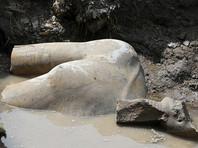 Под Каиром археологи раскопали гигантскую статую, предположительно, фараона Рамзеса II