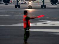 В мексиканском штате Чиуауа самолет крылом зашиб девушек, делавших селфи на ВПП