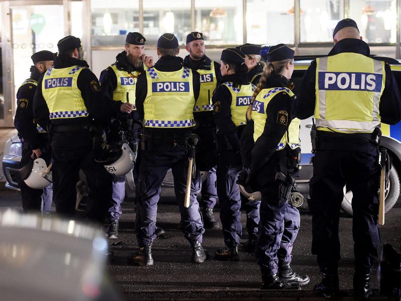 В Швеции Стокгольмский городской суд отправил под стражу гражданина России, сотрудника шведского отделения компании Bombardier, которого подозревают во взяточничестве