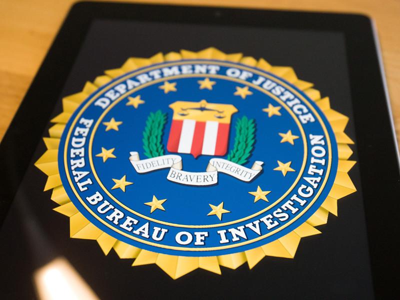ФБР располагает информацией о возможных связях членов команды Трампа с Россией, заявил источник CNN