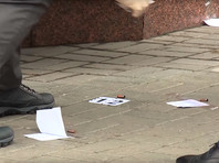 """Бывший депутат Госдумы Денис Вороненков был убит в четверг в центре Киева у гостиницы """"Премьер Палас"""". Киллер выстрелил в него несколько раз и был ранен в перестрелке с телохранителем Вороненкова"""