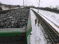 Это связано с эффектами от транспортной блокады Донбасса и признания Россией документов, выданных властями сепаратистских республик - ДНР и ЛНР