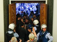 В Македонии протестующие ворвались в парламент и избили депутатов