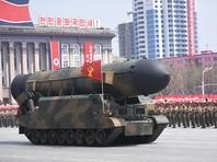 КНДР уже не первый раз демонстрирует новый род войск во время военного парада. В 2012 году, когда отмечалась столетняя годовщина со дня рождения Ким Ир Сена, Северная Корея таким способом сообщила о существовании у нее стратегических ракетных сил