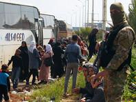 Взрыв произошел в западном предместье Рашидин, где колонна автобусов остановилась прежде, чем направиться во временный центр по размещению беженцев в Джибрине