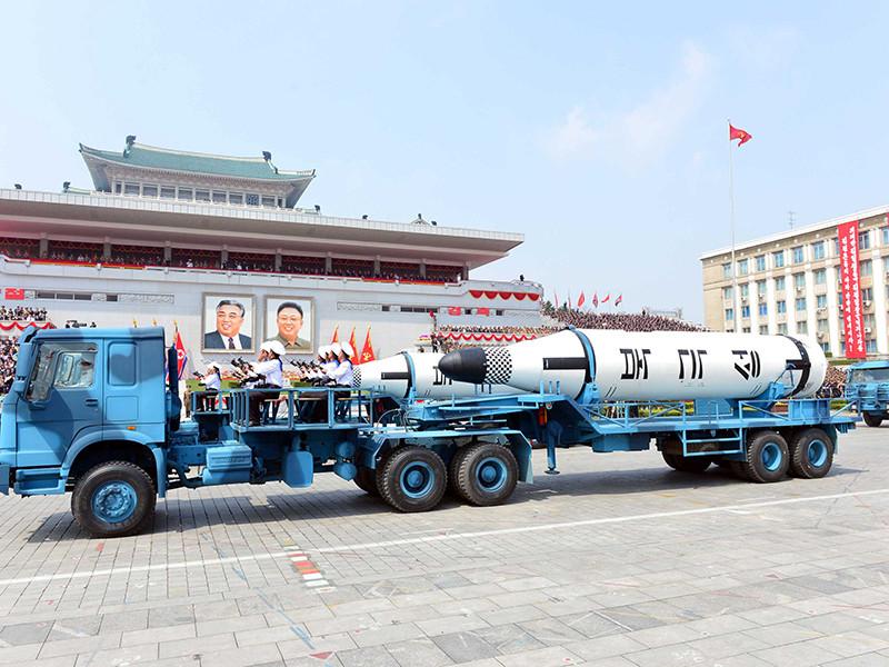 Торжества в честь 105-й годовщины со дня рождения основателя КНДР Ким Ир Сена завершились показом постановочного ролика с имитацией ракетного удара по США