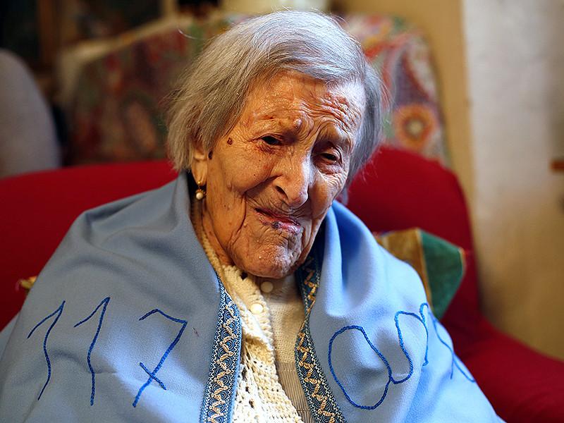 В Италии скончалась старейшая женщина в мире - Эмма Морано. Она родилась в 1899 году и в свои 117 лет была единственным человеком, заставшим 19-й век
