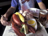 Австралиец объелся в ресторане деликатесов и попытался спрятаться от счета на 620 долларов в океане