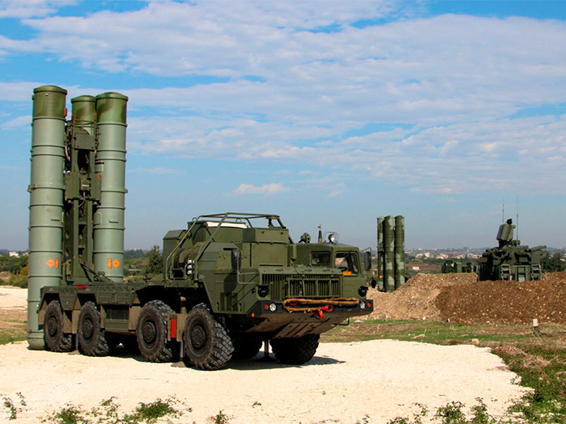 Журналисты гадают, почему российские ЗРК в Сирии не помешали ракетному удару США по аэродрому Шайрат